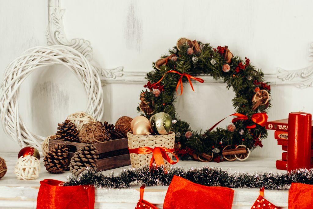 Как украсить дом к празднику: простые идеи, которые займут 5 минут или меньше