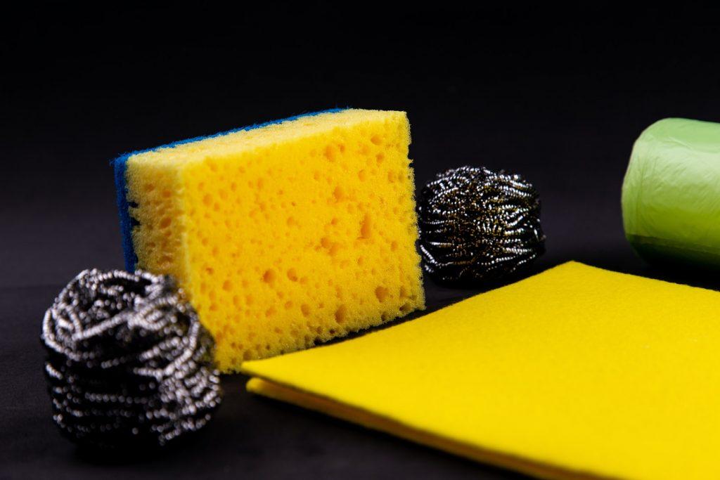 4 распространенных ошибки при уборке, которые могут нанести ущерб вашему дому