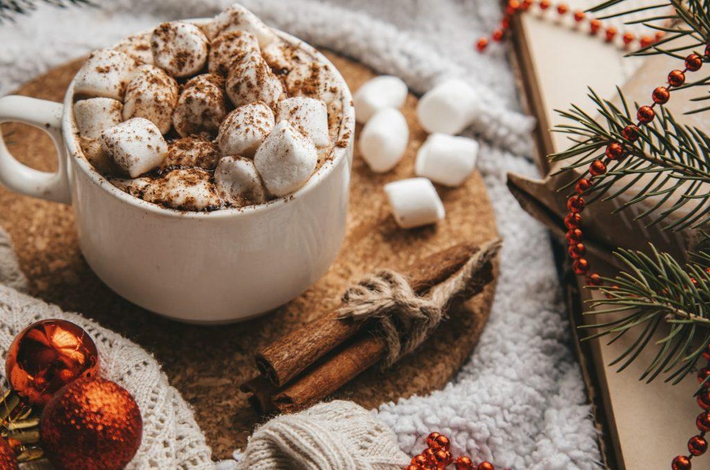 Вкуснейший рецепт горячего шоколада за 10 минут для рождественского настроения