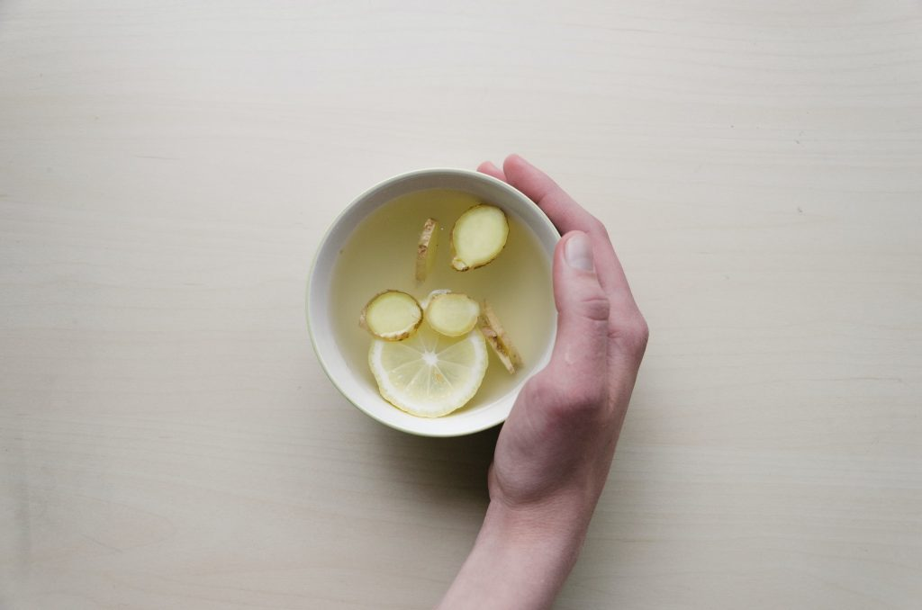 Напиток, который важно пить круглый год, чтобы предотвратить воспаление