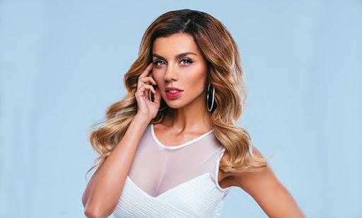 Новое платье Анны Седоковой вот уже несколько дней обсуждают в Сети