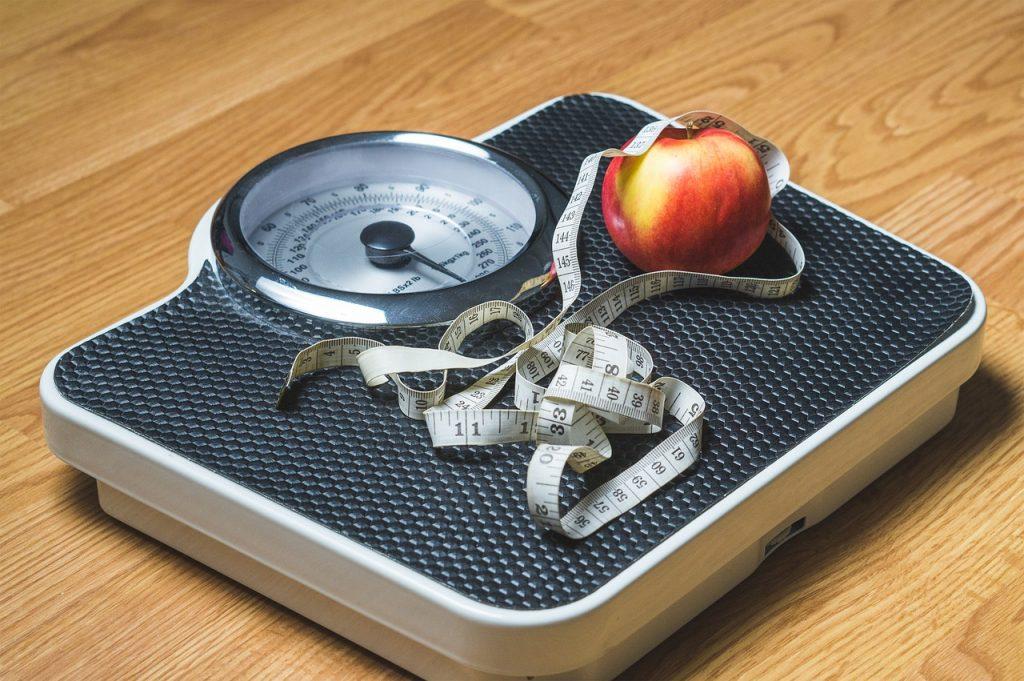 6 ошибок, которые вы совершаете каждый раз, когда встаёте на весы