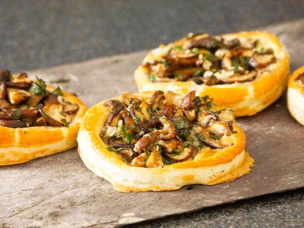 Тарталетки с грибами – удивительно простой рецепт закуски для Нового года 2021
