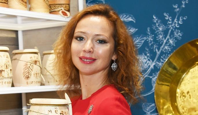 Елена Захарова изменилась до неузнаваемости в новом образе