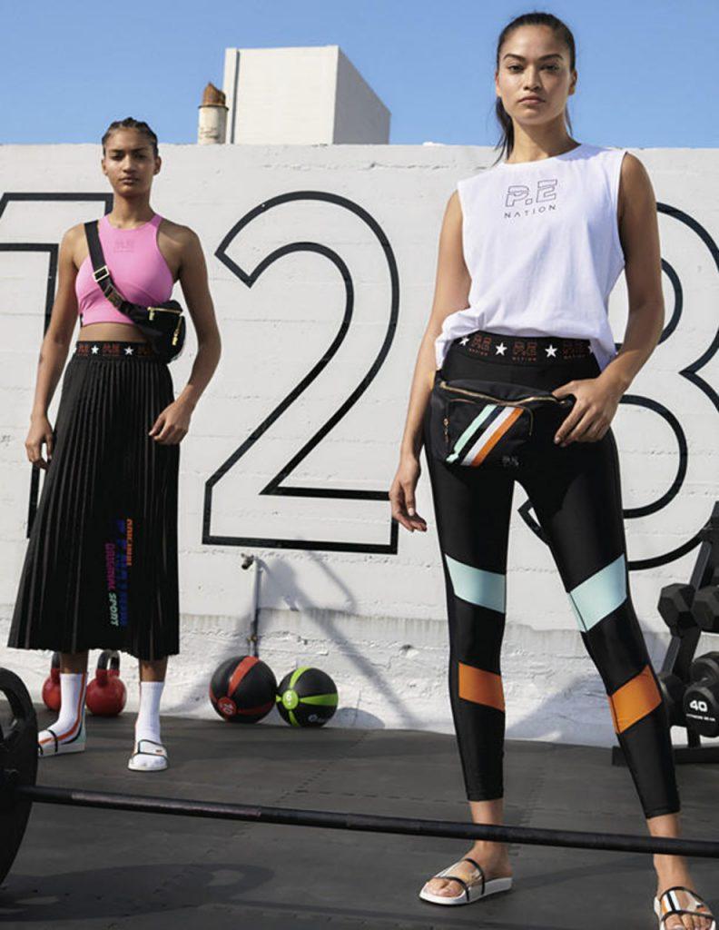 Как носить леггинсы и выглядеть стильно: 3 актуальных образа