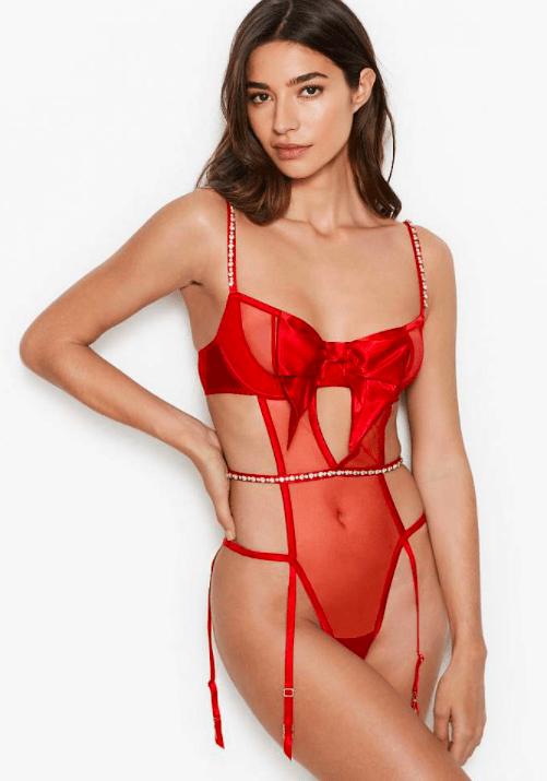 Victoria's Secret представили сексуальную линейку в честь Дня Святого Валентина