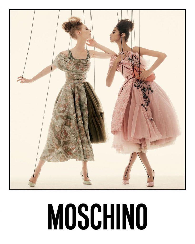 Театр марионеток: Moschino показывают кампейн с участием Ирины Шейк