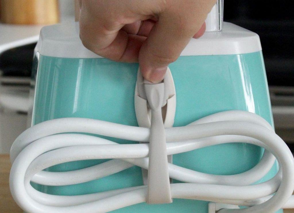 4 простых способа скрыть шнуры и кабели, которые портят интерьер вашего дома