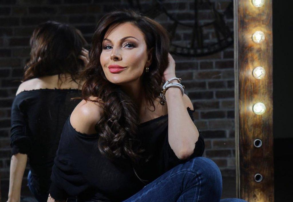 Короче и светлее: Наталья Бочкарёва обновила причёску