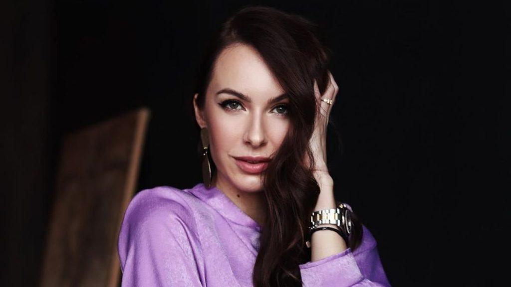 Жена Владимира Остапчука взорвала Сеть соблазнительными фотографиями