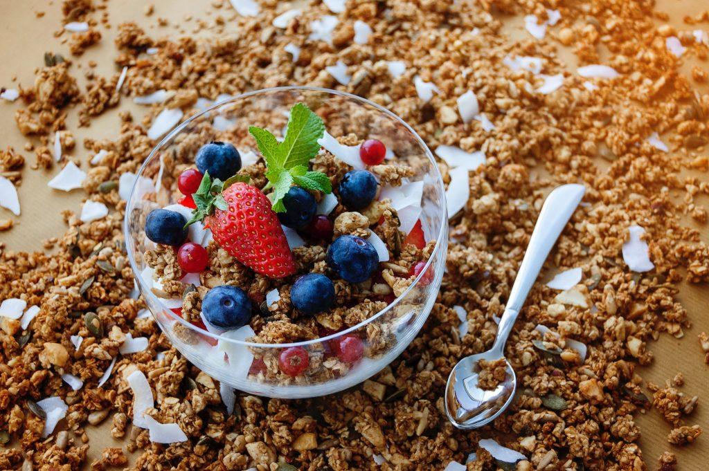 Что такое дефицит калорий и как безопасно добраться до него, чтобы похудеть