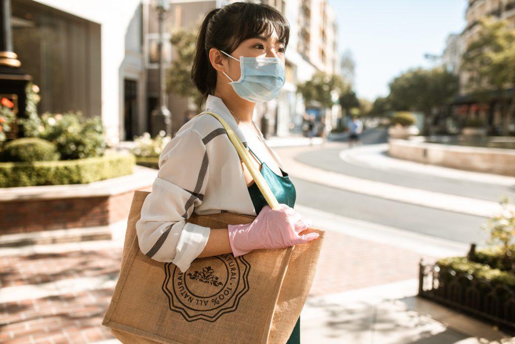 2 вещи, которые нужно брать с собой повсюду, по мнению эпидемиолога