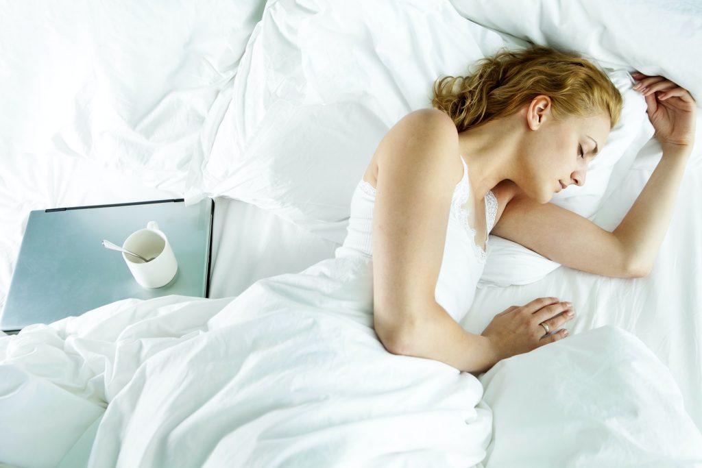 3 приятные привычки перед сном, которые помогут вам сбросить вес