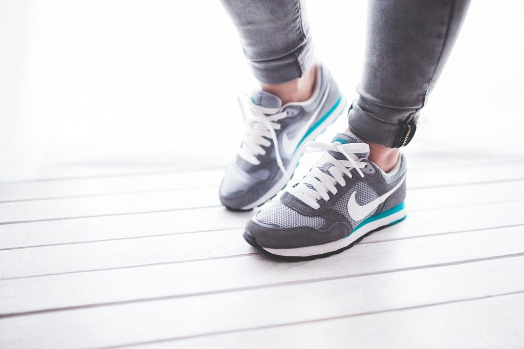 4 способа превратить бег на месте в эффективную тренировку для сжигания калорий