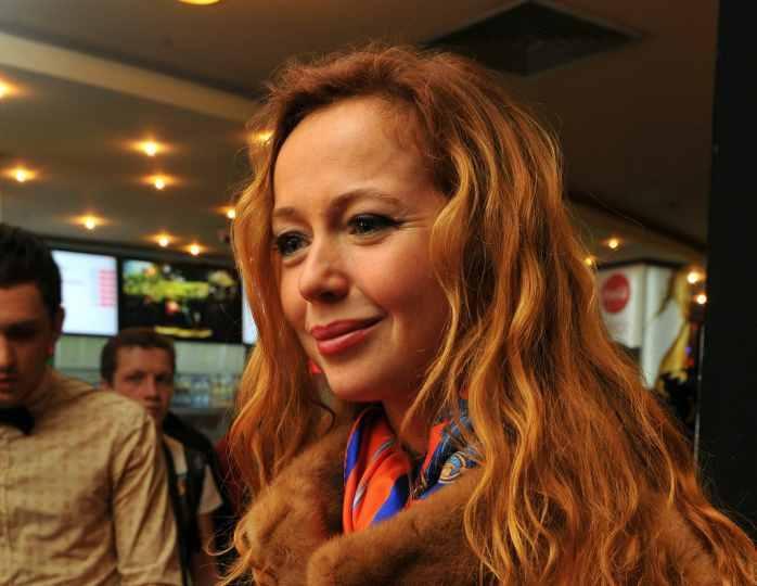Елена Захарова поделилась с поклонниками радостной новостью