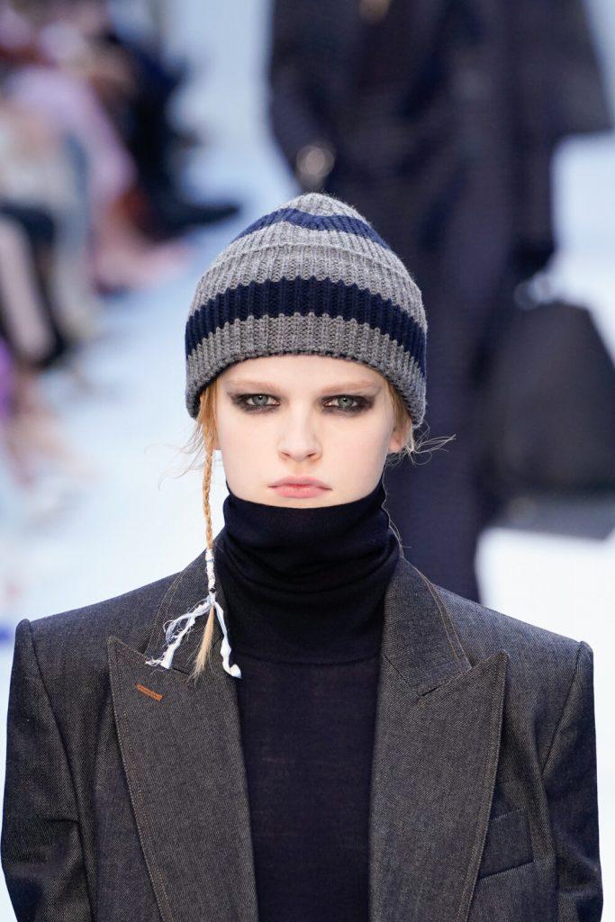 Уют и расслабленность: как стильно носить свитер с высоким горлом