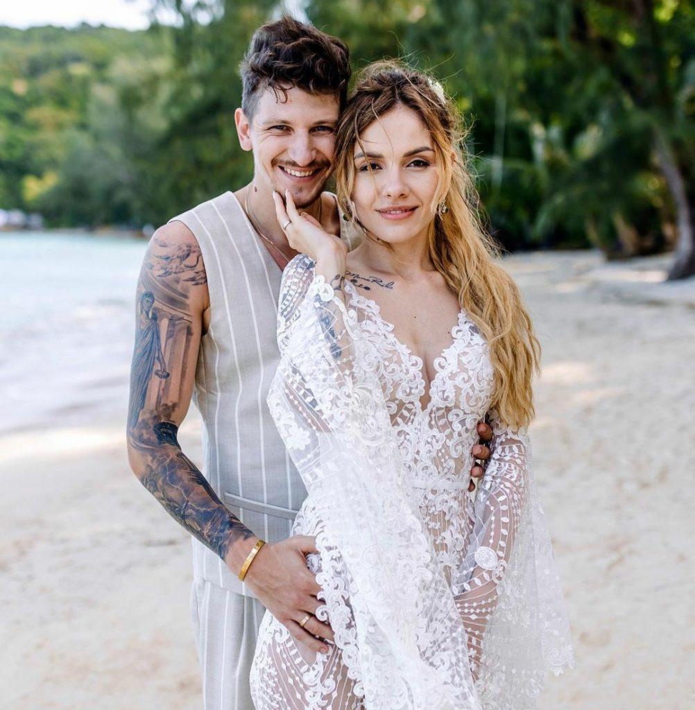 MamaRika показала, как ее муж поздравил с годовщиной свадьбы