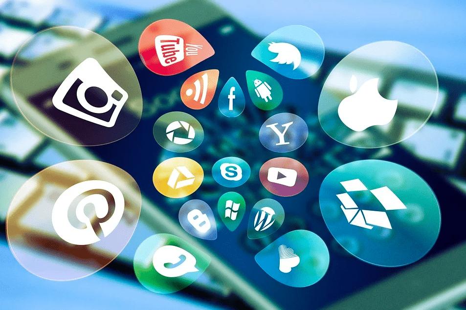 Кем работать в социальных сетях: 3 востребованные профессии