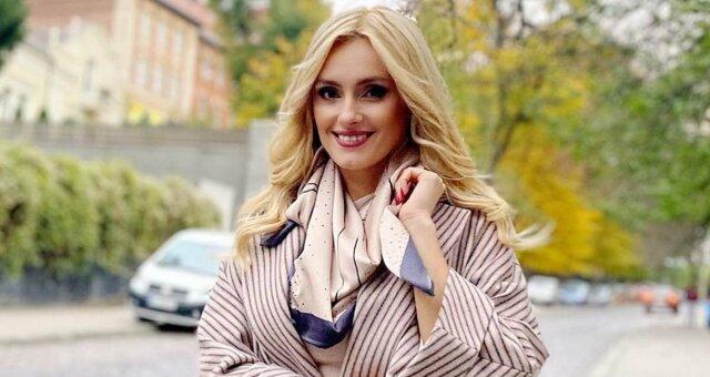 Ирина Федишин показала фигуру в купальнике и рассказала, как проходит ее отдых