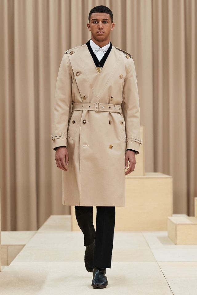 Мужчины тоже могут носить юбки: доказывают Burberry в новой коллекции