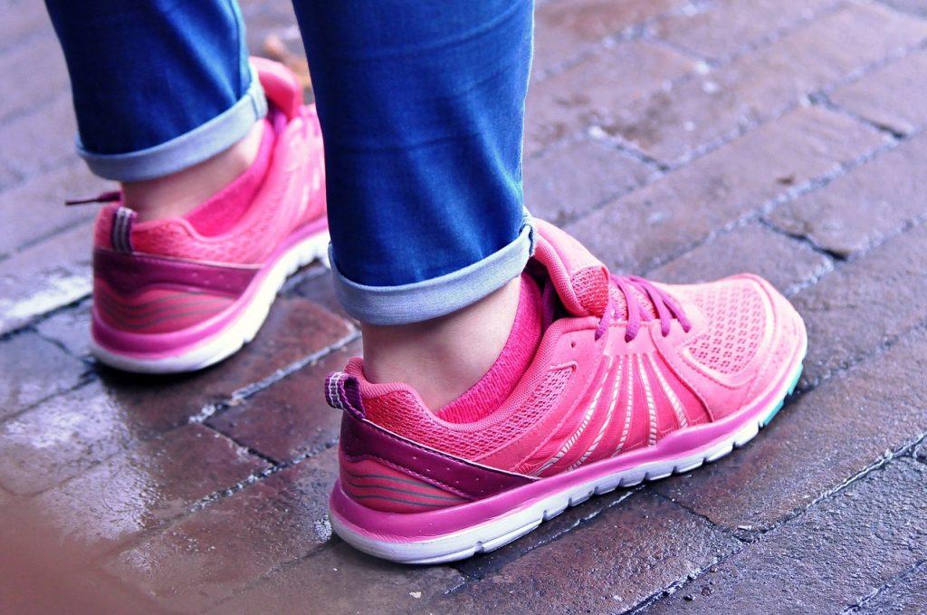 Какое количество ходьбы поможет сжигать жир на животе, по словам тренера