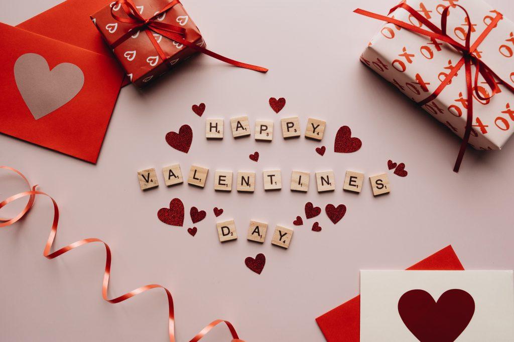 Что подарить любимому на День святого Валентина: 7 оригинальных идей