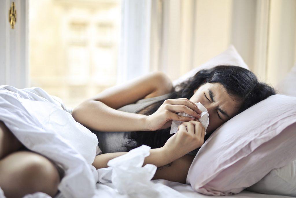 Что на самом деле означает, когда вы просыпаетесь с заложенным носом
