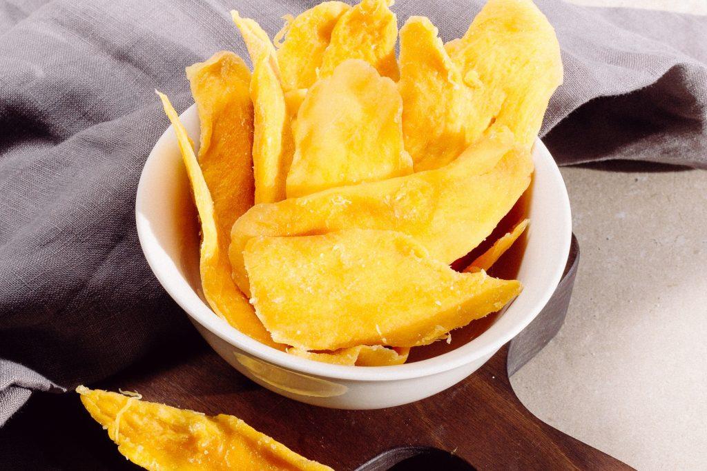 Самый простой рецепт хрустящих домашних чипсов, которые полезнее магазинных