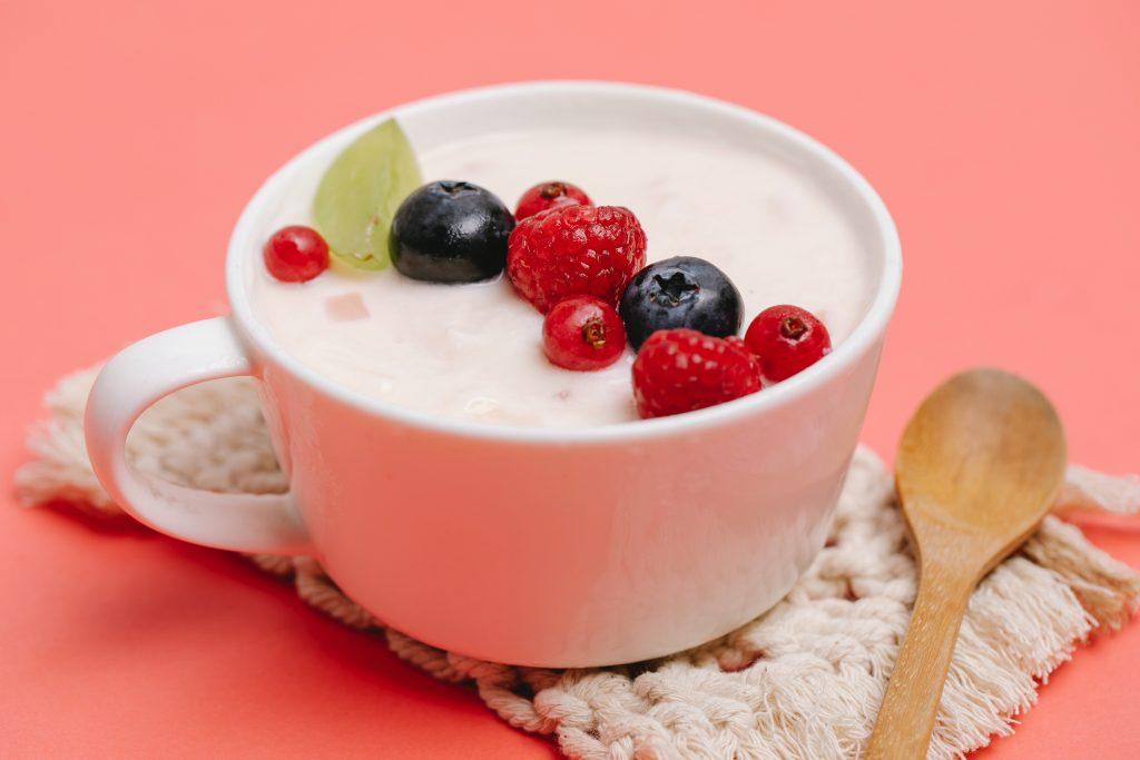 Какой именно йогурт поможет вам избавиться от жира на животе