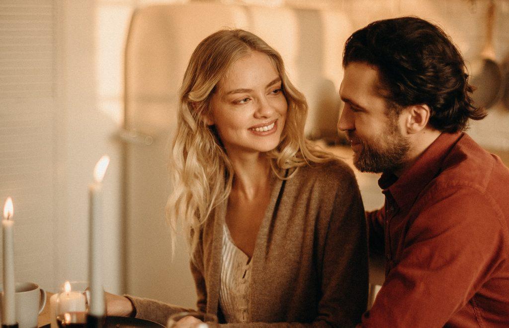 «Внутренний детектор лжи»: 5 признаков, что партнёр вам врёт