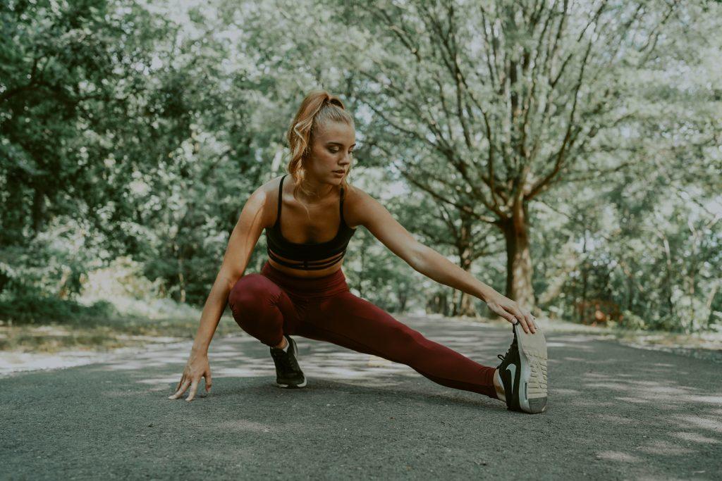 2 эффективных комплексных упражнения для тренировки всего тела