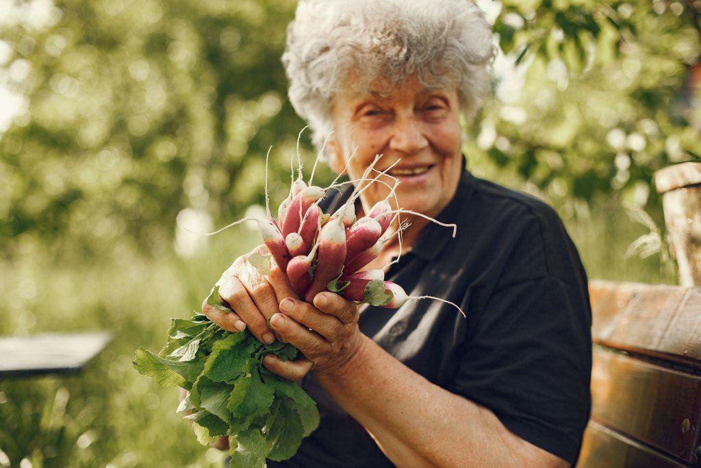 105-летняя женщина, выздоровевшая от COVID, поделилась секретом своего питания