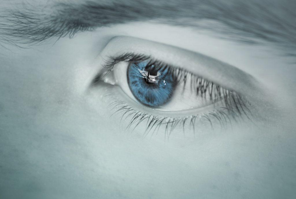 Проблемы со здоровьем, с которыми могут столкнуться голубоглазые люди