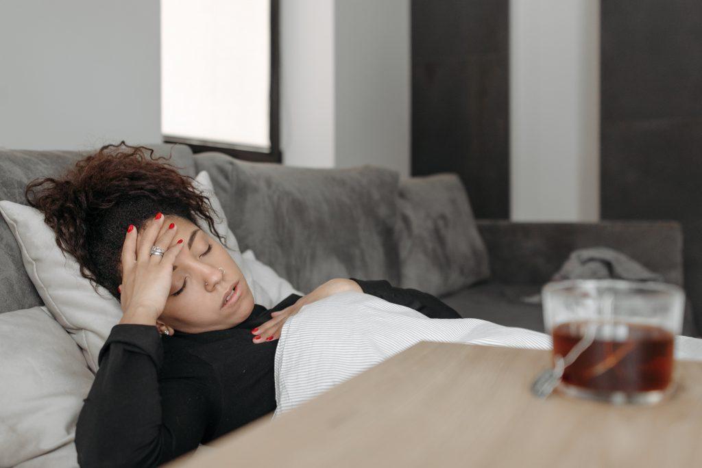 Может ли то, что вы болели простудой, обеспечить вас иммунитетом от COVID-19?