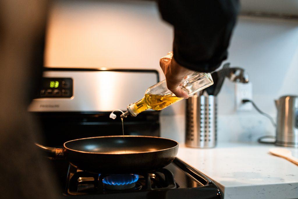 7 самых здоровых масел, с которыми следует готовить еду