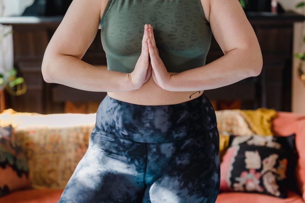 Как избавиться от лишнего жира на руках с помощью питания и тренировки