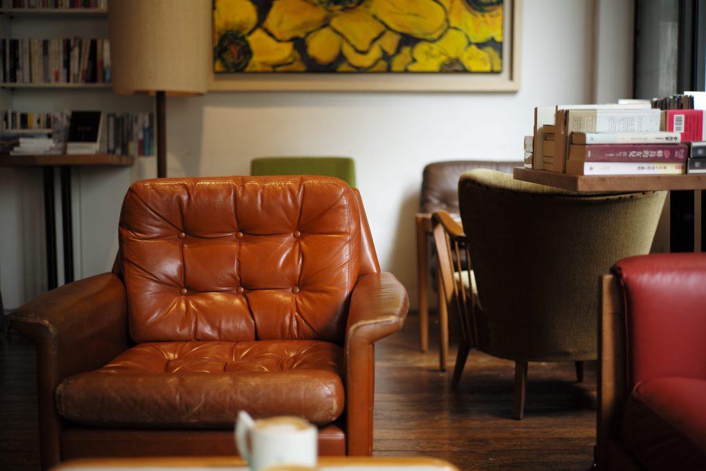 Как правильно чистить кожаную мебель, чтобы она прослужила дольше