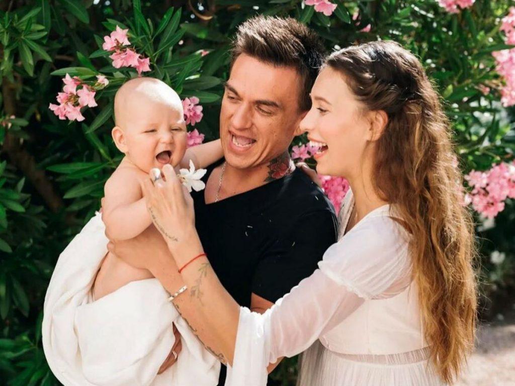 Регина Тодоренко вместе с мужем и сыном снялась для обложки «ОК!»