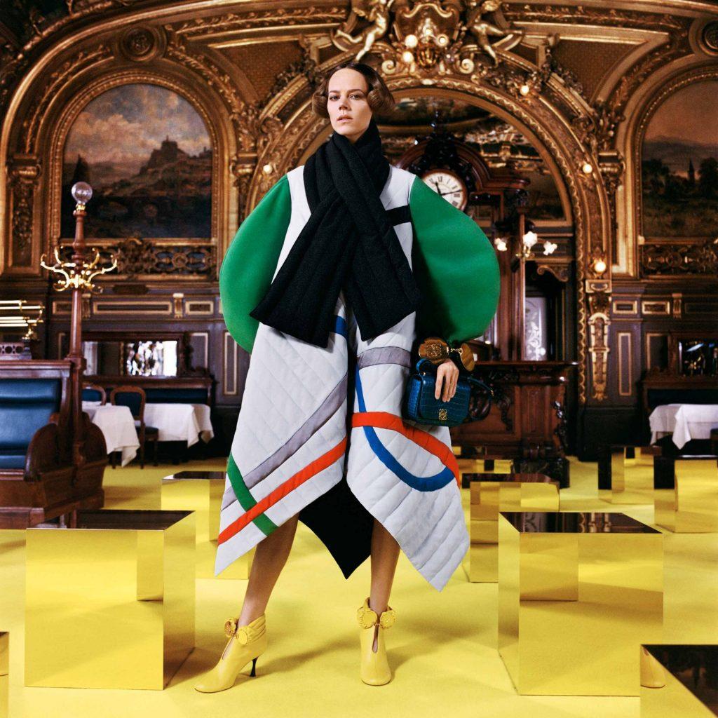 Вместо Недели моды в Париже: Loewe показали коллекцию в газетах