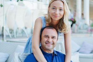 Виктор Павлик вместе с беременной женой наслаждается отдыхом в Египте