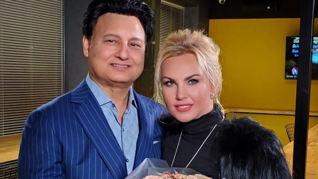 Пара на миллион: Камалия вместе с мужем на презентации новой коллекции ливанского дизайнера Элая Рукосса