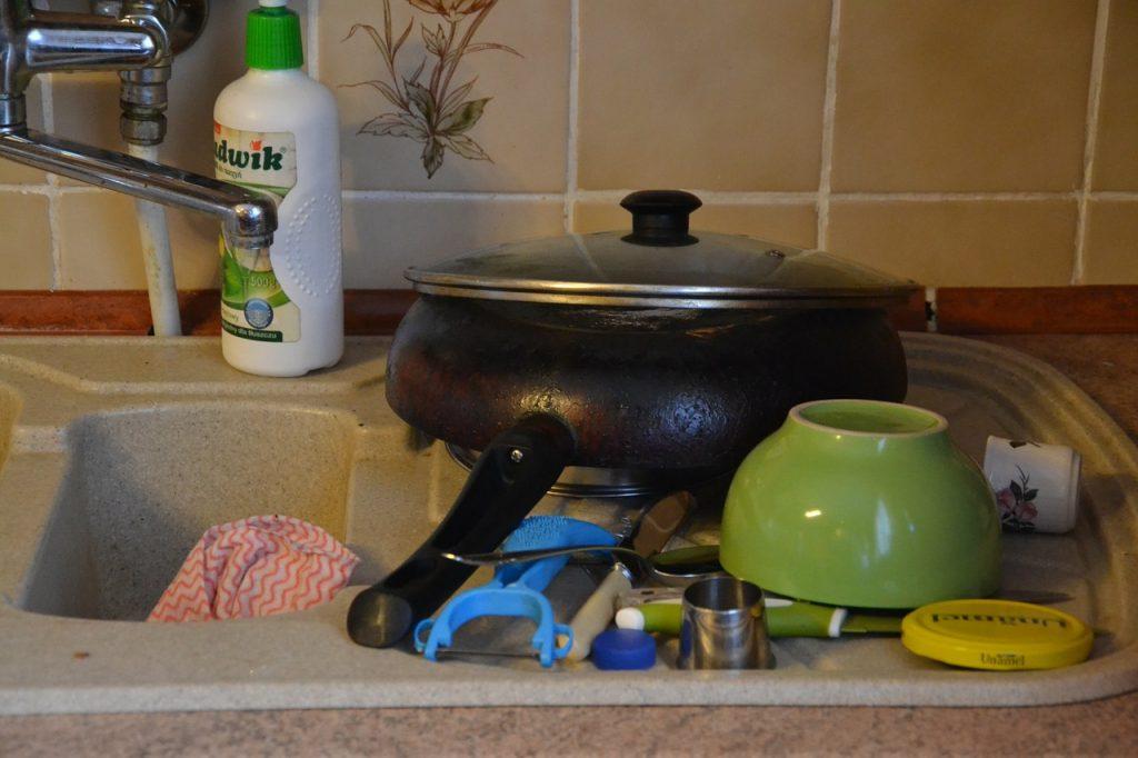 8 вещей, которые разрушают вашу посуду с антипригарным покрытием