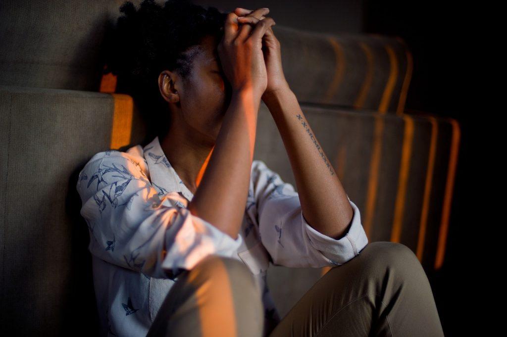 Нейробиолог рассказал, как перезагрузить мозг после года хронического стресса
