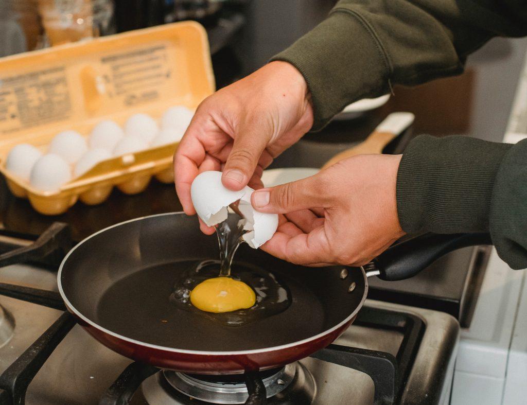 Сколько яиц в день можно есть без вреда для своего здоровья?