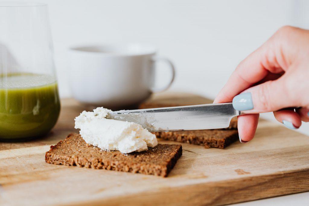 «Нездоровые» продукты, которые помогут быстрее добиться стройной фигуры