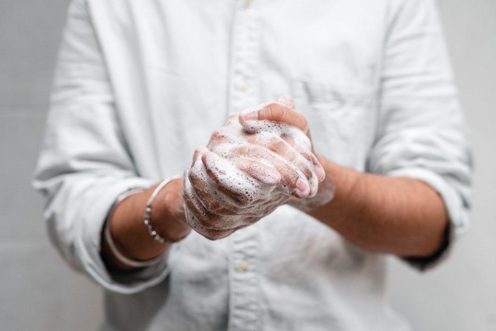Что произойдет, если вы вымоете руки менее чем за 20 секунд