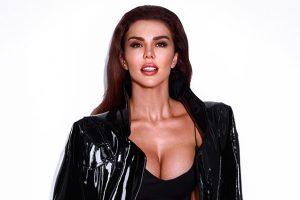 Анну Седокову раскритиковали за небритые подмышки