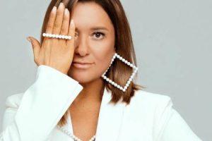 Наталья Могилевская прогулялась по Днепровской набережной