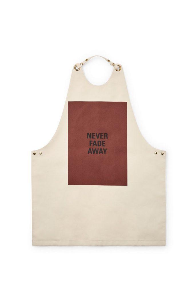 Для стильных поваров: Jil Sander выпустили коллекцию кухонных фартуков