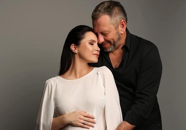 Любуемся: Лилия Подкопаева поделилась с поклонниками редкими фото с мужем
